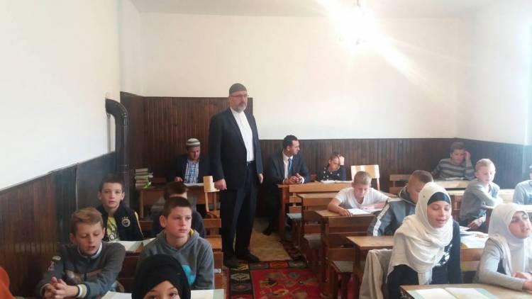 Muftija travnički u radnoj posjeti mektebima na području MIZ Busovača